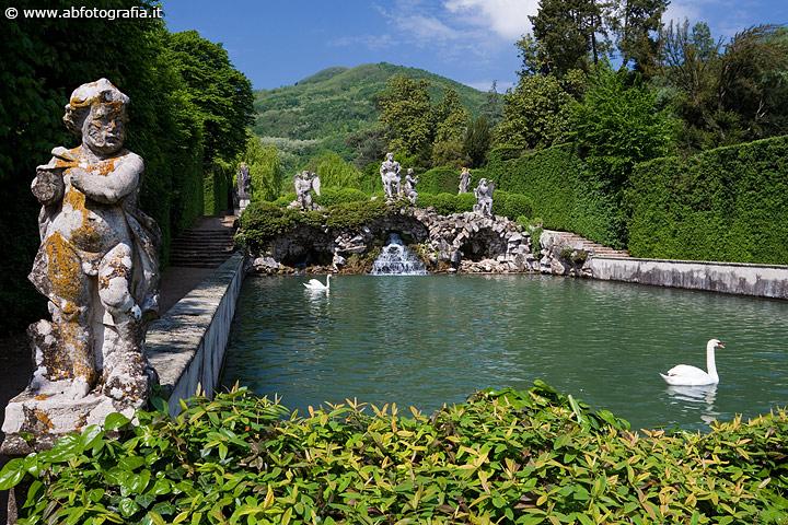 Giardini Di Villa Barbarigo Valsanzibio Scatto N 1
